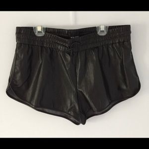 Wilfred FREE Leather shorts